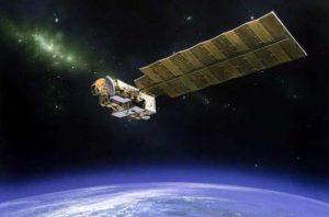 Satellit Aura